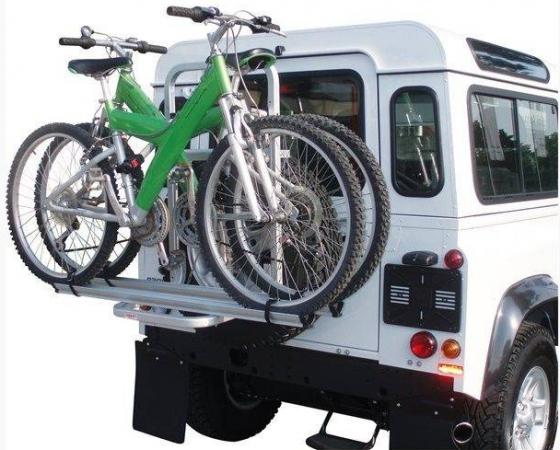 Suportul auto de bicicleta cu prindere pe roata de rezerva Fabbri Gringo Bici are un raport calitate/pret excelent